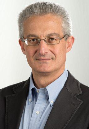 Dottor Attilio Basile è un medico chirurgo, specializzato in Ortopedia e Traumatologia.