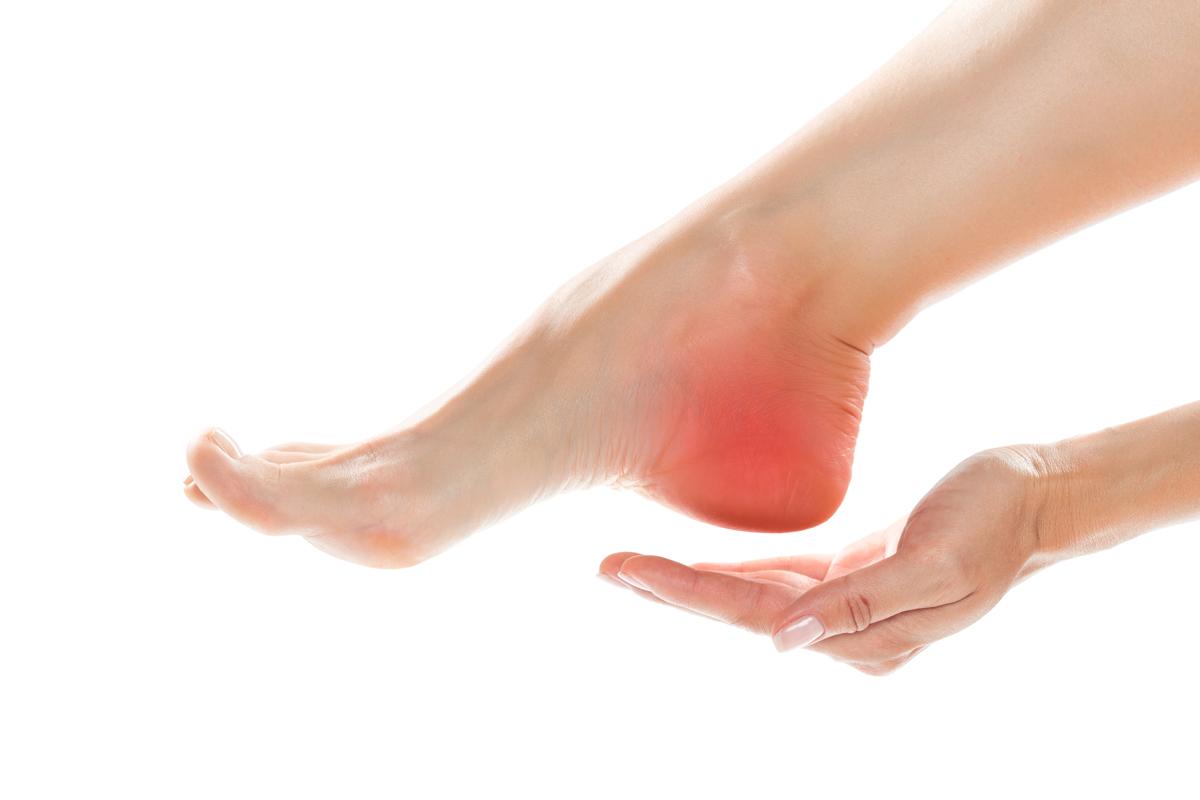 Dolori ai piedi , patologie dei piedi - Dottor Basile. Medico Chirurgo Specialista in Ortopedia e Traumatologia del Piede e della Caviglia a Roma.