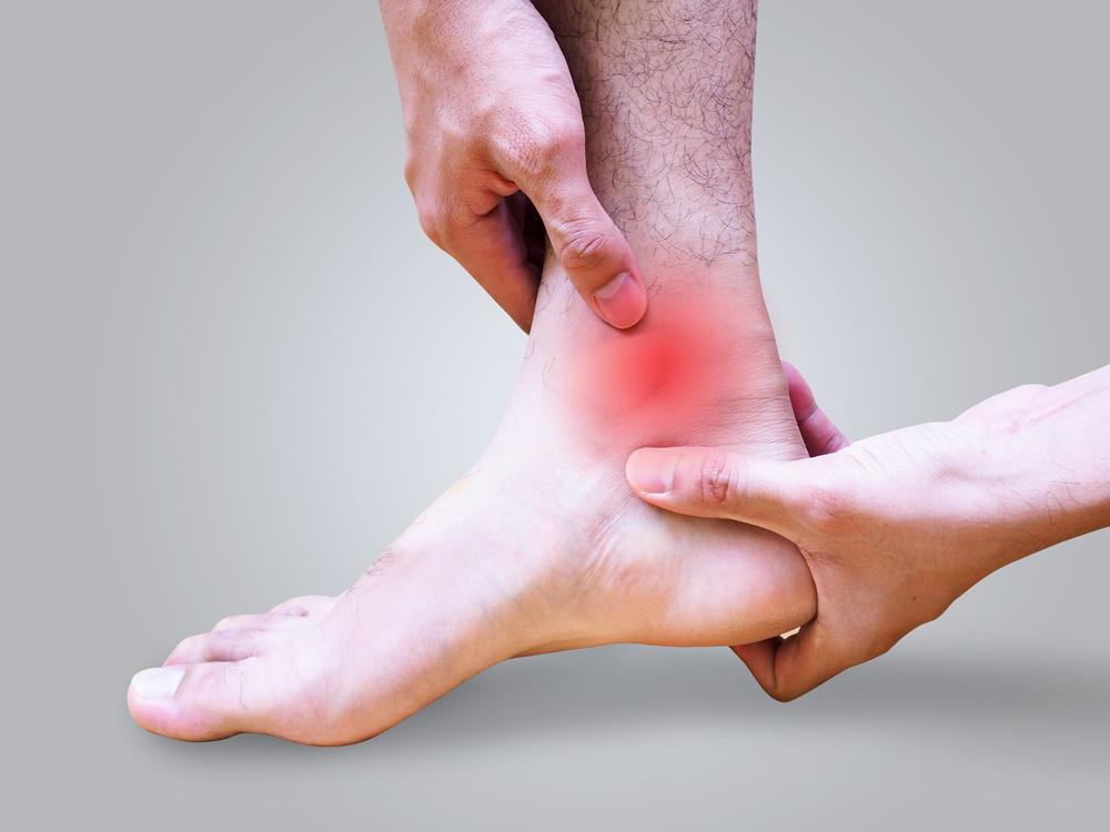 Dottor Attilio Basile Chirurgia del piede e della caviglia artrosica (artrodesi, sostituzioni protesiche delle articolazioni del piede e della caviglia