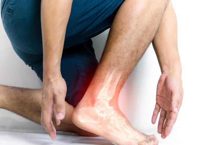 Dottor Attilio Basile Chirurgia delle lesioni tendinee acute e croniche della caviglia e del piede